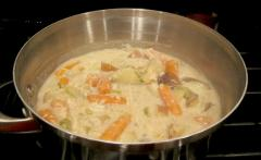 Slow Cooker Creamy Chicken with Vegetables